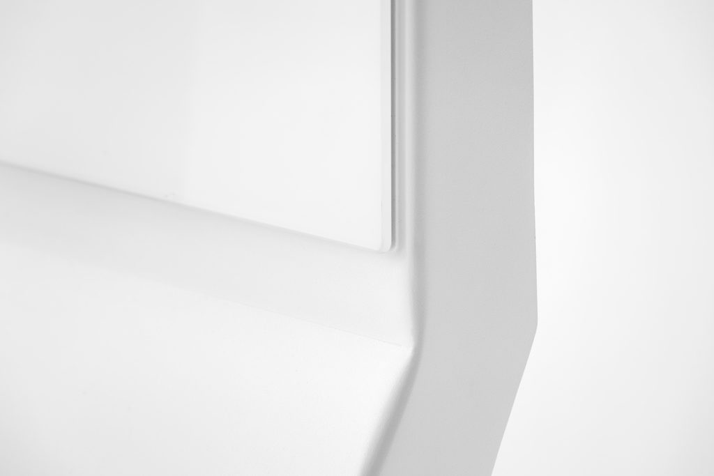 CHAT BOARD Mobile Pure White angle detail